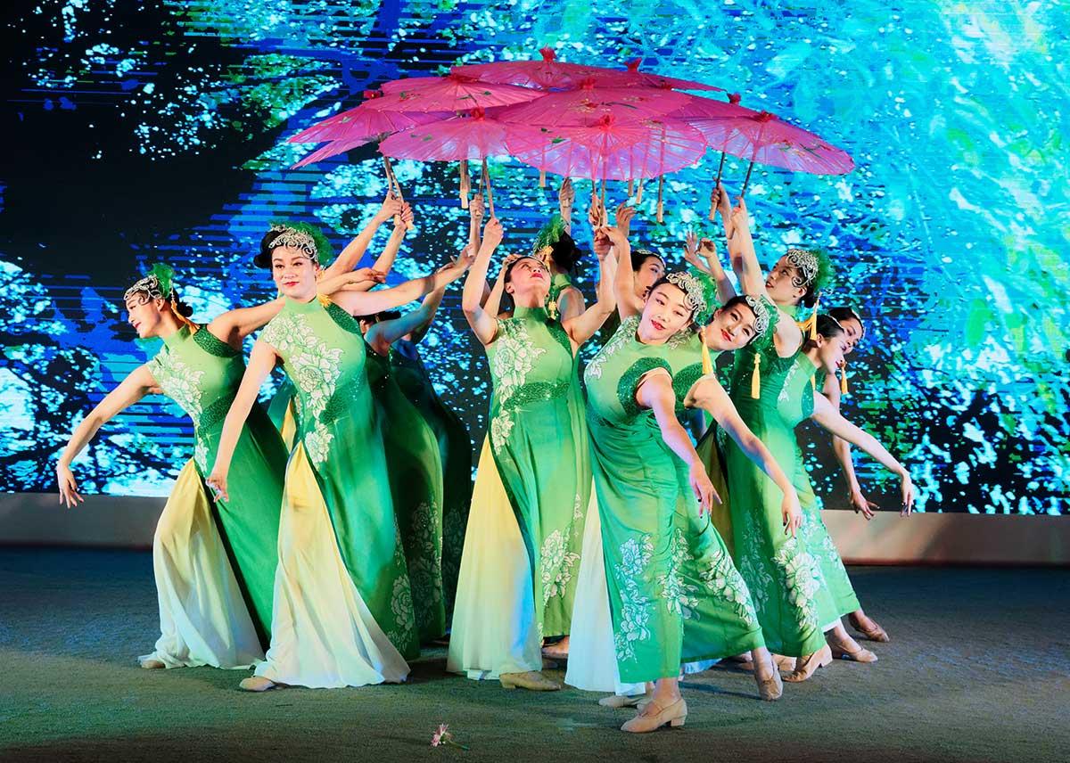 福华集团2016年度总结表彰暨2017年度新春团拜会16